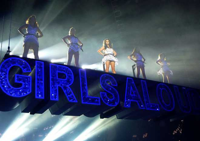 Girls_Aloud_Performance_at_TEN_Tour_in_Glasgow_March_9_2013_01-03102013091323000000