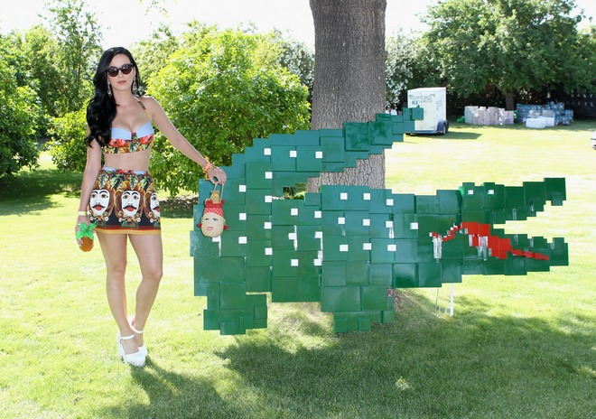 Katty_Perry_at_the_Lacoste_Pool_Party_in_California__April_13__2013_008
