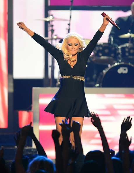 Christina_Aguilera_-_Performing_at_the_2013_Billboard_Music_Awards_19-05-2013_006