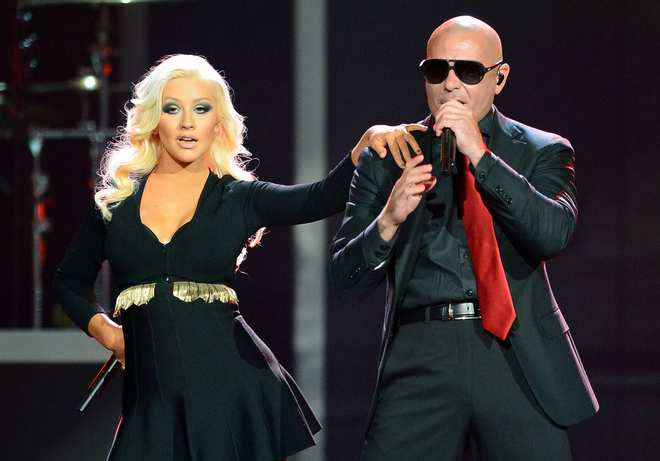 Christina_Aguilera_-_Performing_at_the_2013_Billboard_Music_Awards_19-05-2013_020