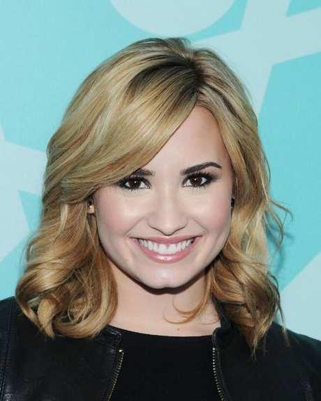 Demi-Lovato-051313-1