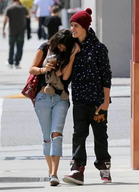 Justin Bieber & Selena Gomez Split!! **FILE PHOTOS**