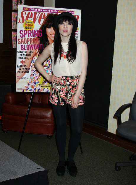"""Carly Rae Jepsen """"Seventeen"""" Magazine March Cover Girl In-Store Signing"""