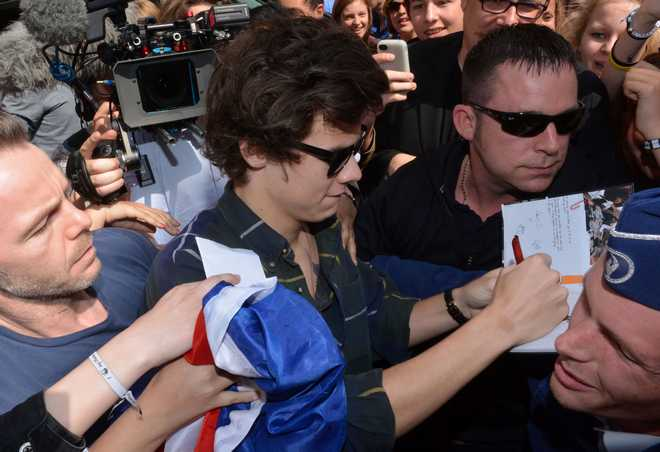 Semi-Exclusive... Harry Styles Gets Swarmed By Fans In Belgium ***USA, SOUTH AMERICA, CANADA AND OZ ONLY***