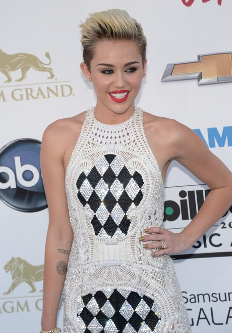 US-ENTERTAINMENT-BILLBOARD MUSIC AWARDS-RED CARPET