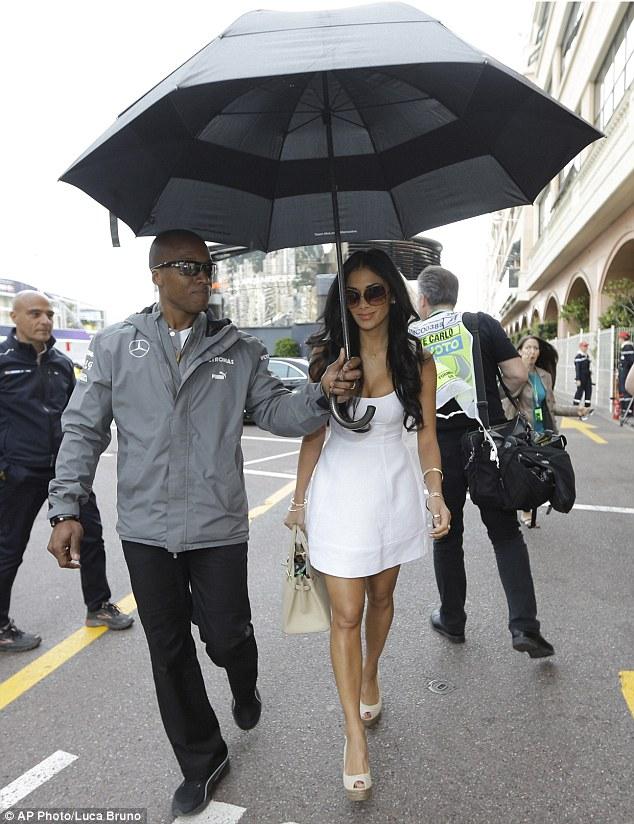 Nicole_Scherzinger_-_at_the_racetrack_in_Monaco_25-05-2013_004