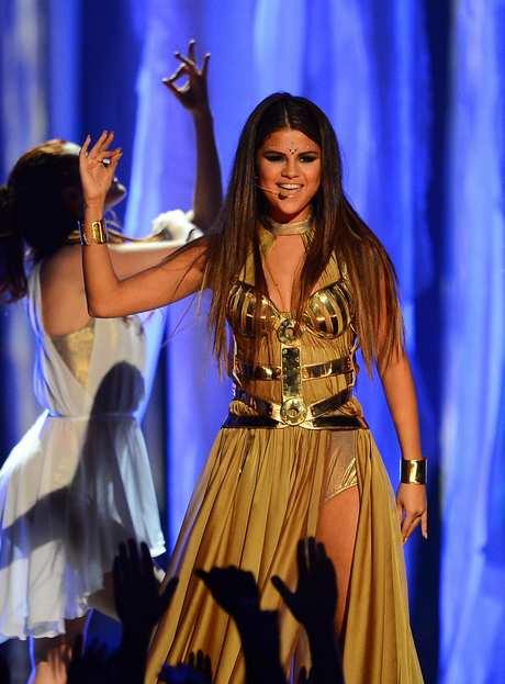 Selena+Gomez+2013+Billboard+Music+Awards+Show+rJTNHQLgzOZx