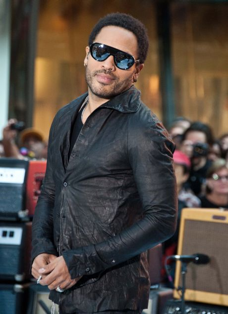 """Lenny Kravitz Wows """"Today"""" Show Crowd At Rockefeller Plaza"""