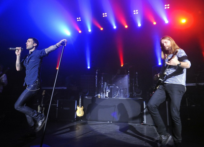 Maroon 5 Live In Paris