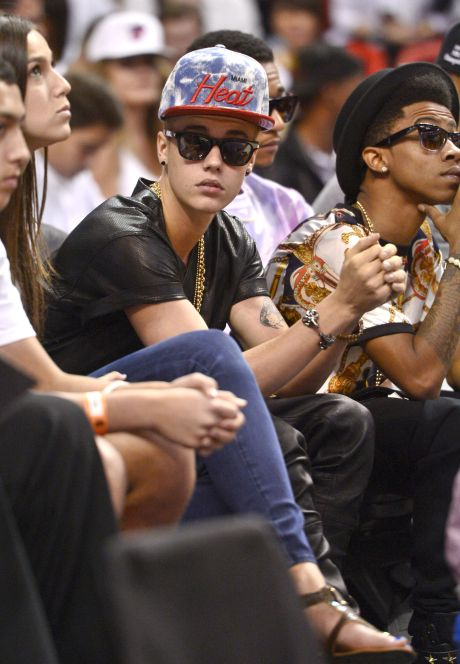 Justin Bieber Sits Courtside At Miami Heat Game