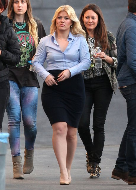 Semi-Exclusive... Kelly Clarkson Filming Her New Music Video