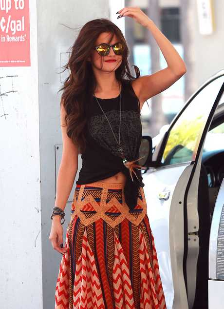 Selena Gomez Fills Up On Gas And Fast Food