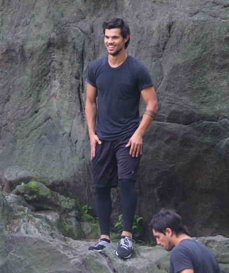 Taylor Lautner Does His Own Stunts