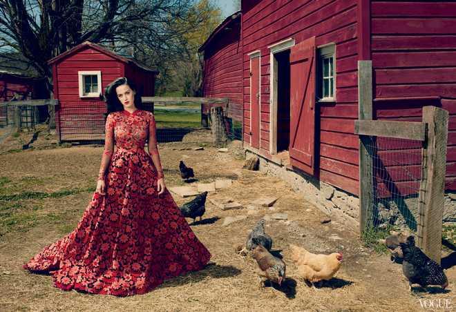 Katy_Perry_-_Annie_Leibovitz_Shoot_-__Vogue_USA_2013__002