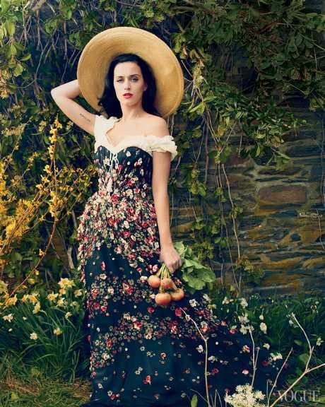 Katy_Perry_-_Annie_Leibovitz_Shoot_-__Vogue_USA_2013__003