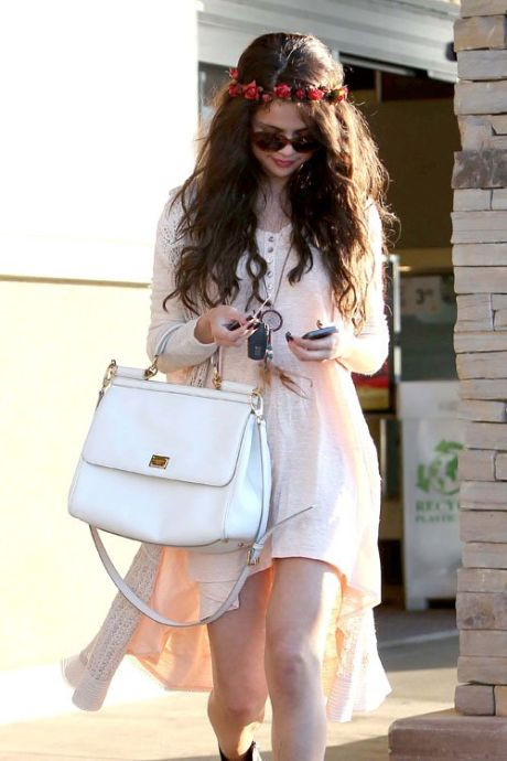 Selena-Gomez-061413-7