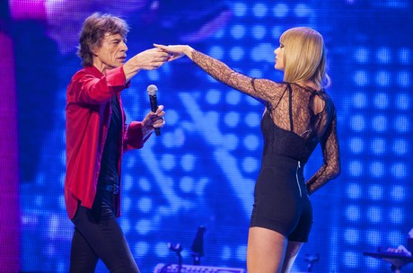 _performs_with_the_Rolling_Stones_in_Chica_2__7_