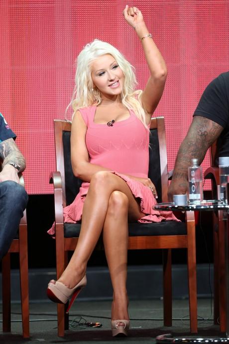 Christina_Aguilera_-_2013_Summer_TCA_Tour_in_Beverly_Hills_27-07-2013_009