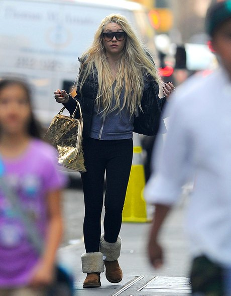 What Is Amanda Bynes Smoking In New York?
