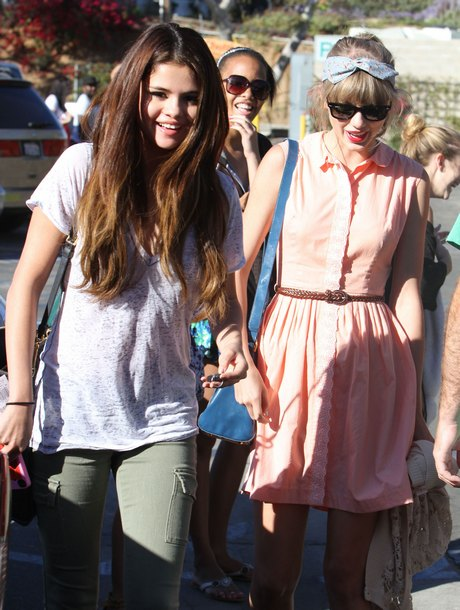 Exclusive... Exclusive: Selena Gomez And Taylor Swift Out For Lunch In Malibu