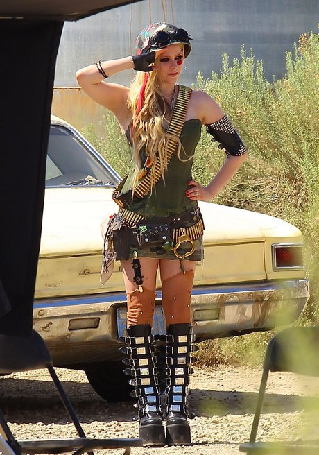 Avril Lavigne On Set Of Her New Music Video