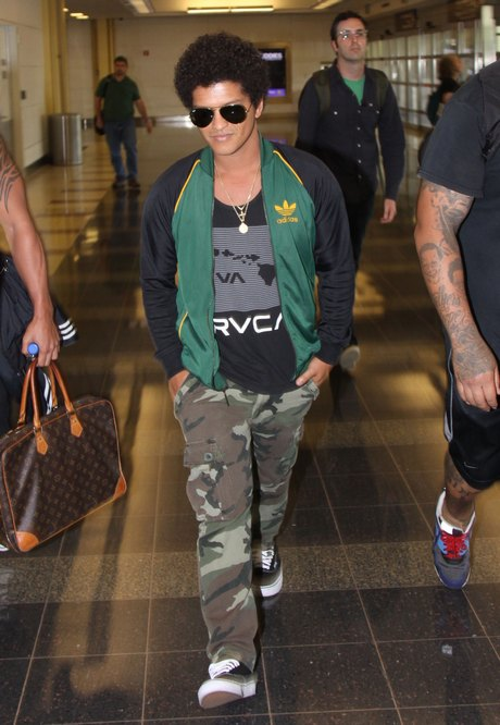 Bruno Mars Lands In Washington D.C.