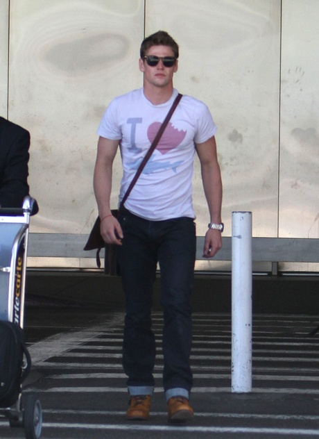 The Cast Of The Vampire Diaries Lands In LA