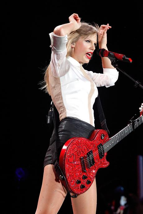 Taylor Swift Performing Live In Philadelphia 135011