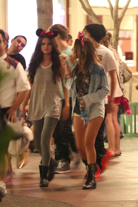 Justin Bieber WHO?! Selena Gomez spotted at Disneyland with Austin Mahone!