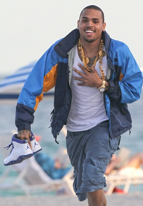 Exclusive... Chris Brown Running On The Beach In Miami