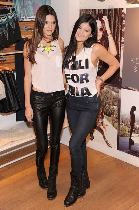 kendall-kylie-jenner-080613- (1)