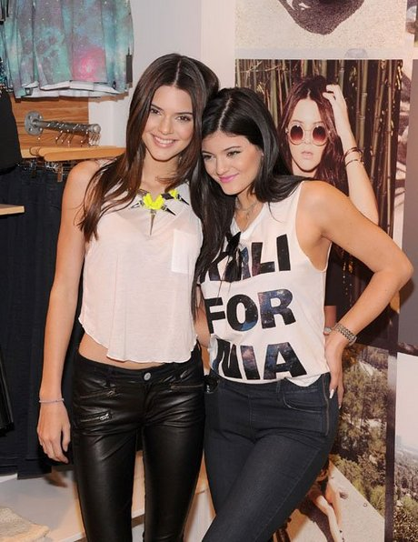 kendall-kylie-jenner-080613- (7)