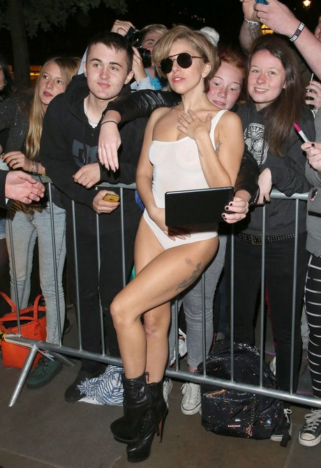 Lady Gaga Makes Times For Her Fans In London