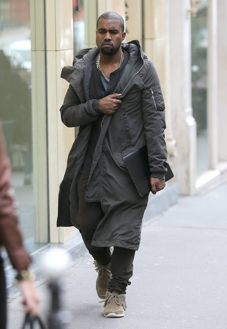 Semi-Exclusive... Kanye West Visits Canal+ TV In Paris