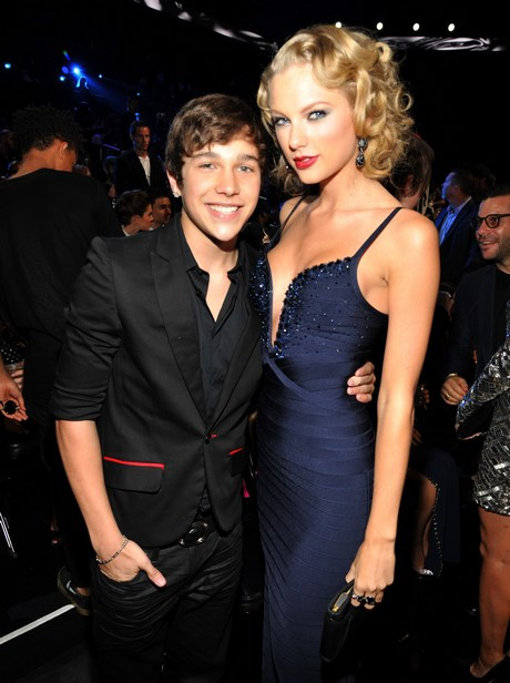 Taylor_Swift_-_2013_MTV_Video_Music_Awards_in_NY_august_25_2013_052