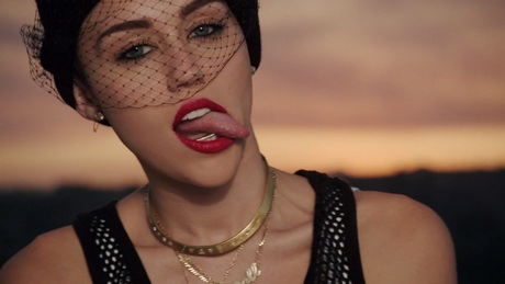 miley-cyrus-we-cant-stop-music-04