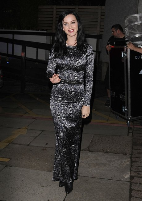 Katy Perry Dines Out In London