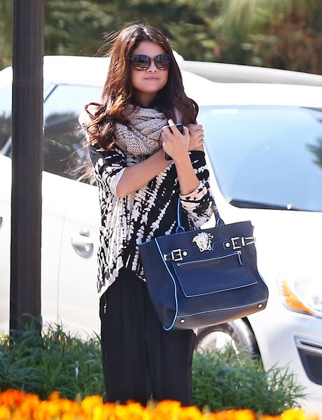 Exclusive... Selena Gomez Has A Meeting In Century City