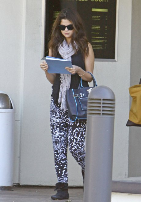 Exclusive... Selena Gomez Leaving A Meeting