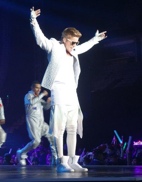 Justin Bieber Performing Live In Dalian