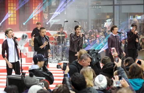 """One Direction Performs On The """"Today"""" Show"""