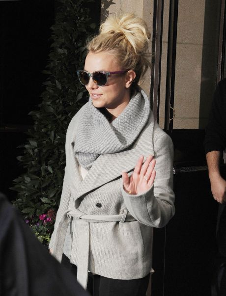 Britney Spears Leaves The Dorchester Hotel