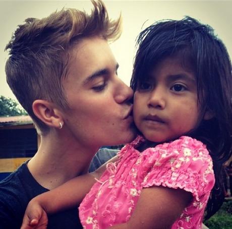 Justin-Bieber-Guatemala-Girl