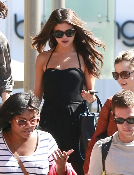 Exclusive... Selena Gomez Out For Lunch In Century City