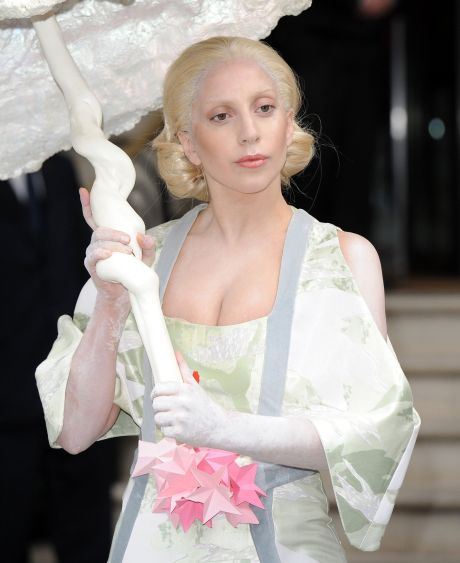 Lady Gaga Goes For An Orient Inspired Look