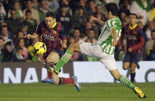 Lionel Messi, Antonio Caro