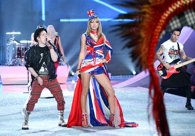 Patrick Stump, Taylor Swift, Pete Wentz